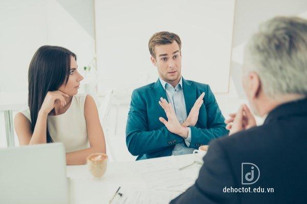 Kỹ năng nói không khéo léo